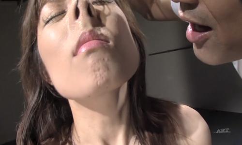 【お姉さん】縄で緊縛されたお姉さんの綺麗なお顔が鼻フックで醜い豚顔にww【SM陵辱】