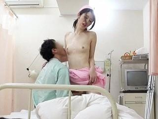 宮瀬りこ 病室で溜まった入院患者の肉棒を咥えて騎乗位SEXする痴女ナースさん