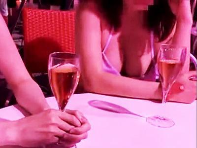 【プールナンパ】ナイトプールに来てたスリムなビキニ娘をホテルに連れ込みハメ倒す!