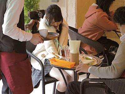 【ビッグバンローター】イイ感じのカフェで超振動を与えられて悶絶するスリム美少女w