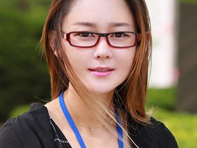【外人ナンパ】韓国トップクラスのIT企業に勤めている秀才コリアンOLに「日本でデビュー」をチラつかせたらノッてきたw