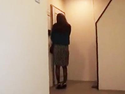 【ストーカーレイプ】ヤバイやつ!帰宅中のOLをつけ回し自宅に入る瞬間に押し入り玄関先で鬼畜強姦!