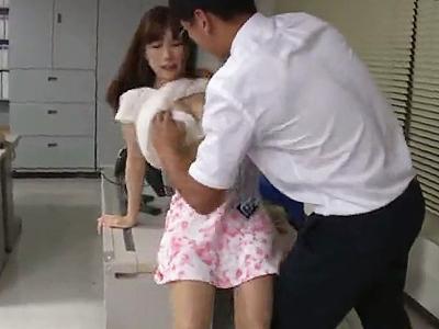 【オフィス強姦】誰も居ない社内で男に迫られめちゃくちゃに犯されてしまう清楚系美人社員!