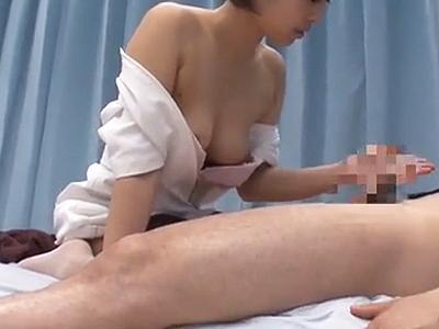 【素人ナンパ】優しすぎる美人看護師が男性が抱えるチンポのお悩みを自分のオマンコで解決しちゃうw