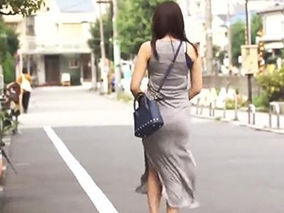 【完全着衣】マキシワンピを着た女のボディラインに興奮!服も脱がせないままハメ倒す!