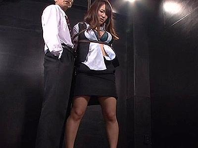 【女スパイ】ある企業に潜入していたエージェントが囚われ恥辱拷問!さらにクスリまで打たれてしまい…