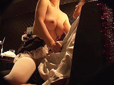 【おっパブ嬢】メイドコスしたGカップ嬢にクスリ盛ったら超発情w乳揺らしながらのキメセクに発展!
