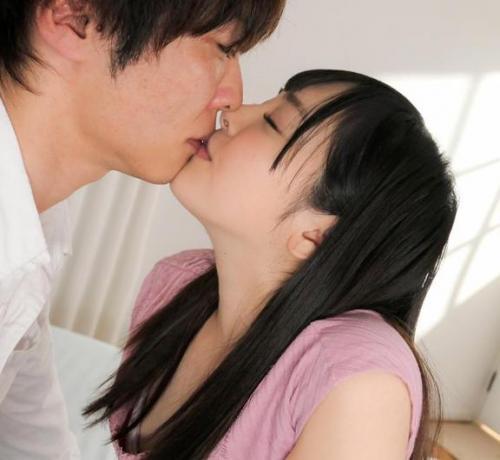 小倉由菜「気持ちい…」キスとボディタッチだけでアソコを愛液でぐっしょりと濡らしながら感じまくる美少女
