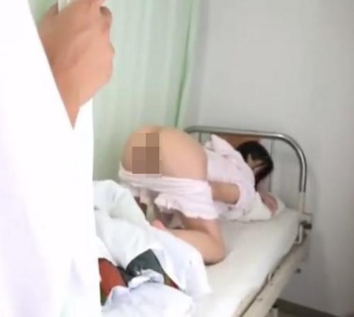 病院に見舞いに行ったらオナニーしてる女の子を目撃してしまった結果
