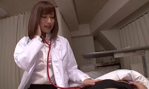 「治療ですから♡」美人な女医がデカチンを見て豹変!主観乳首責めや手コキフェラで強制的にフル勃起させられる!