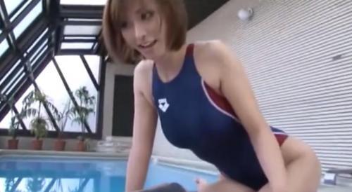 【朝日奈あかり】競泳水着美女がチンポを手コキフェラご奉仕w