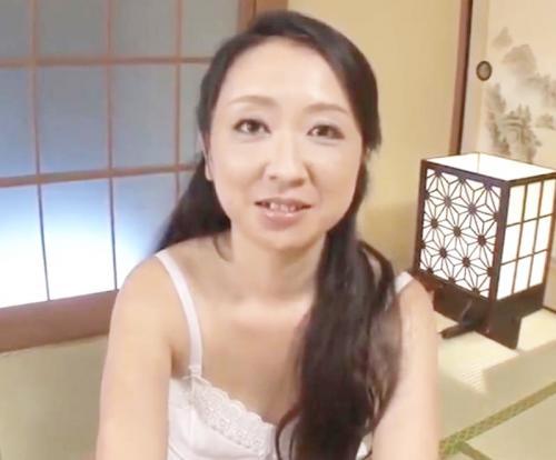 関西弁熟女がハメ撮りに挑戦!艶っぽくおねだりする美熟女の魅力!