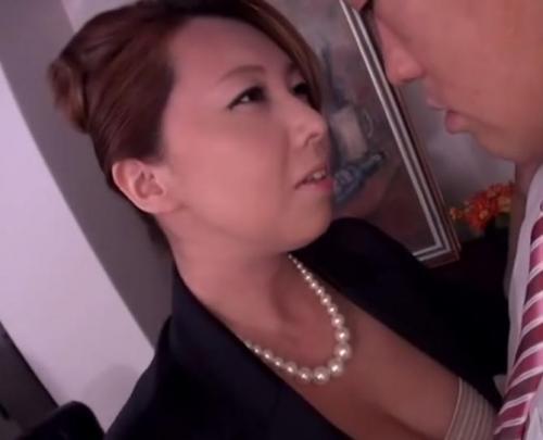 風間ゆみ「もう勃ってる♡」美熟女OLの誘惑が半端ない!