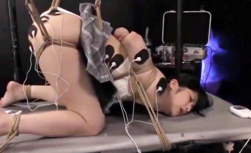 【神楽アイネ】美少女JDが拘束され電マやバイブでイカされまくる!