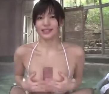 混浴温泉で巨乳色白美人な彼女からパイズリご奉仕♡エロすぎてヤバすぎ!