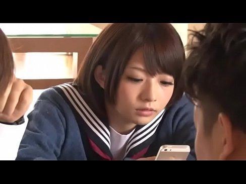 【麻里梨夏】男友達と自宅でテスト勉強をした後、こたつにスケベ男子が潜り込んで女の子とSEXをしてマンコとアナルに中出し
