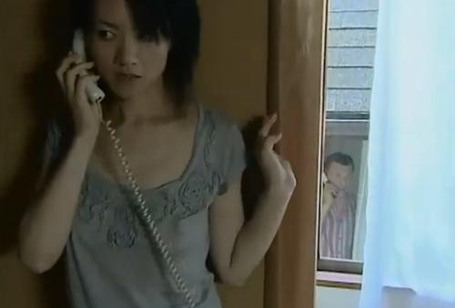 [ヘンリー塚本│永井智美]無言電話の女×思いを寄せられる男,部屋を訪ねて不倫 01290