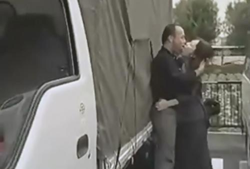 [ヘンリー塚本│君島冴子]不倫妻×愛人,トラックの荷台で 00349