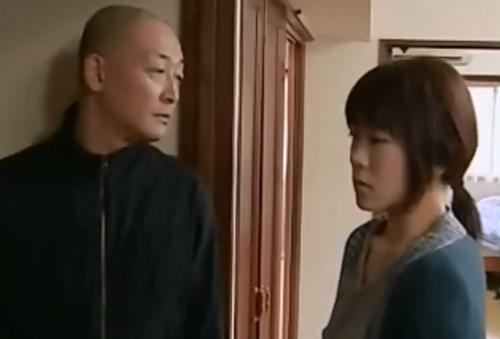 [ヘンリー塚本│横山翔子]団地妻×隣室の男,力づくの和姦 00001