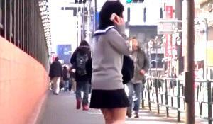 東京の女子高生宅に侵入! 無防備な姿を晒すJKに襲いかかって無理やり中出しセックス!
