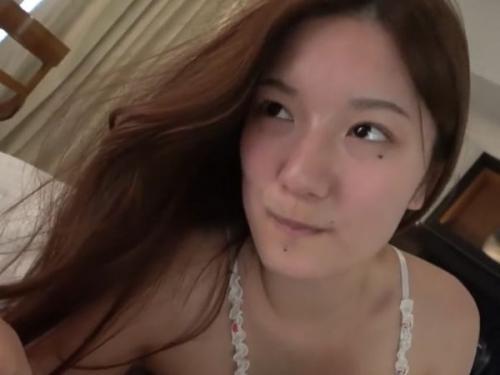 """‹無修正›この美貌で爆乳パイパンとは最高スペックの19歳セクシー美女の中出し懇願セックス""""www"""