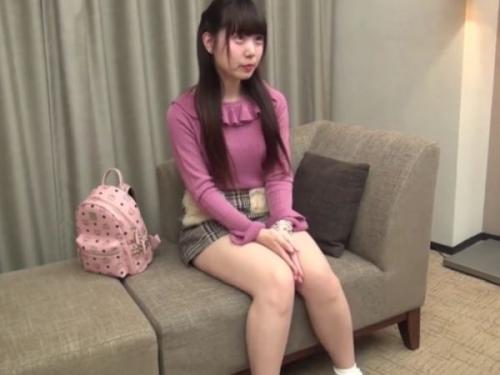 【無】純情可憐な19歳萌えカワ娘が制服姿で円光オヤジと着ハメ撮りして人生初中出し♪