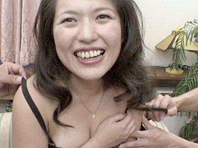 ‹無修正›恥ずかしがり屋の清純美熟女!豊乳グラマーな美人奥様をハメ撮りに持ち込む!西沢日出美