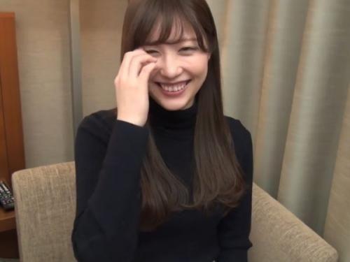 【個人撮影】受付嬢の清楚系美人さんがムッツリ過ぎた!すぐに入れたがるSEX好きで最高のハメ撮り!