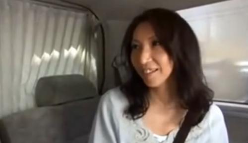 エロナイン - 【熟女ナンパ】この四十路の美人妻の美脚は美しすぎる!しかもスレンダーで綺麗!ホテルへ連れ込み、そのままガチハメ、ザーメン顔射!