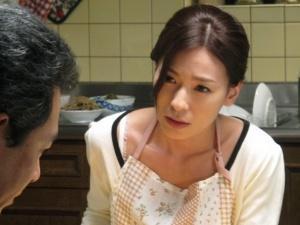 <人妻NTR>「リストラって本当なの!?」旦那の危機を救うため、健気な妻は醜悪な上司に抱かれることを決意するが・・・
