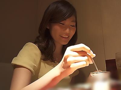 【人妻ナンパ】美人な奥さんを連れ込み成功!首絞めファックでドMまんこにザーメンを種付け