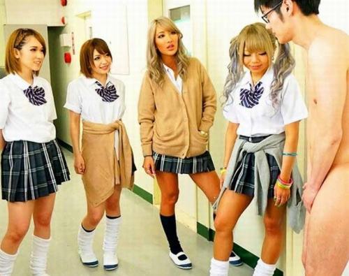 【主観ハーレム】全員ヤリマンギャルの学校に転校したら・・ 童貞チンポ食いの女子高生たちに玩具にされSEX指導