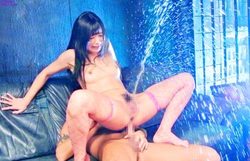 【潮吹きプッシャー!】///ぁあぁぁん♥・・クイクイクイ♥///いやらしぃマイクロビキニ網タイツ姿で淫乱SEX肉欲全開!