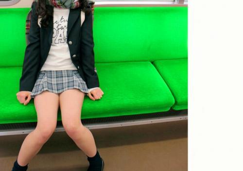 【個人撮影】渋谷☆彡港区で平成生まれロリ女子高生ギャルをナンパ!⇒親父達と淫行SEX!援交SEX中出しハメ撮りされるww