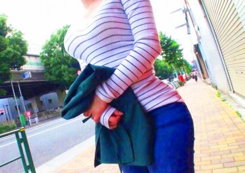 【素人ナンパ企画】すんげぇ・・ ゚Д゚)♥Fカップ爆乳おっぱい!渋谷のカフェ店員の身体がエロ過ぎたのでAVデビューさせるww