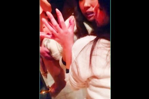 【スマホ個人撮影】パンパン!///ぁん♥ぁん♥清楚な四十路熟女人妻が鏡越しに立ちバックで突かれきくられ悶えまくりww