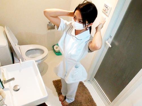 <個人流出>「マジ超かわええ~♡♡」マスクを取ると超SSSSS級の美少女だった看護師にフェラ奉仕させて挿入<素人ナンパ>