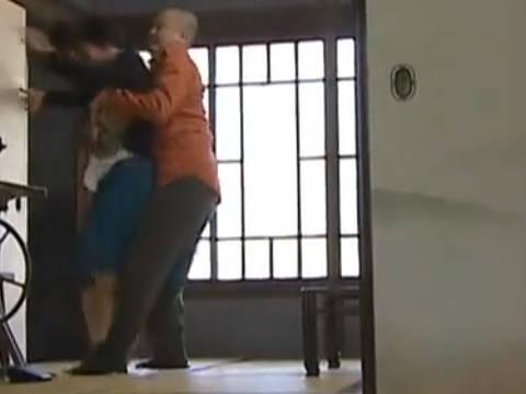 【ヘンリー塚本】気が付いたらあんたの部屋に入っていた…変態男がオナニー中毒の巨乳人妻を強姦する