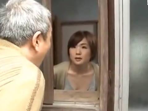 【ヘンリー塚本】主人は今でかけたから中に入っていいわよ…巨乳人妻が不倫相手を自宅に誘い込みヤリ部屋で寝取られる