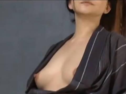 【ヘンリー塚本】大工さんあんたも出してマラ…巨乳人妻の熟女がヤリ部屋で寝取られる