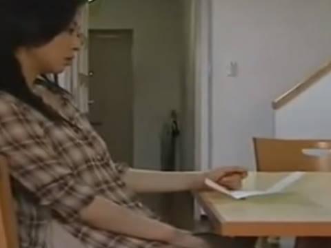 【ヘンリー塚本】オナニー中毒の巨乳?いや爆乳人妻が宅配男から手紙で告白され手コキ&イラマチオで寝取られる