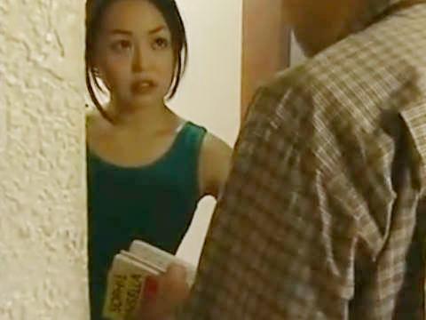 【ヘンリー塚本】困るわねこの時間はプライベートよ…巨乳人妻の英会話教師が生徒に押し入られ寝取られる