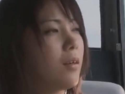 【ヘンリー塚本】ペニスも良さそうこういう男としてみたいな...オナニー好きの巨乳人妻がバスの中で出会った男に寝取られ