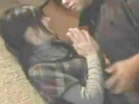 【ヘンリー塚本】今はみんないるのでごめんなさい...巨乳女が飲み会で隣にいた男にナンパされて手コキ&イラマチオする