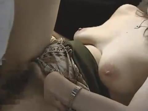 【ヘンリー塚本】入れますよ、ゴムありませんけどいいですか?...巨乳?いや爆乳の人妻が激しいカーセックスで中出し寝取られ