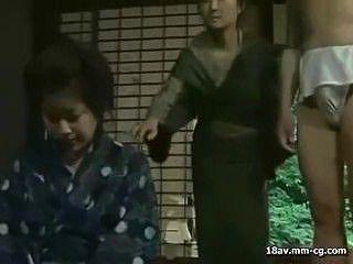 【ヘンリー塚本】爆乳人妻が強姦されるのは戦後の混乱期を過ぎても地方には未だ古くから伝わる因習が残っていた昭和の時