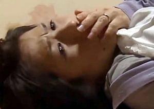 【ヘンリー塚本】熟女巨乳人妻がヤリ部屋で寝取られ強姦されるところ爆乳娘に目撃される