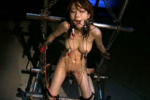 【電流拷問】潜入捜査官が地獄の電流責めで発狂♥ガクブルしながら痙攣するのがやばすぎwww