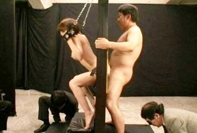 ★アナル奴隷★吉村卓も大興奮してアナルとケツをベロベロと卑猥に舐めまくりwwセットが壊れそうな勢いのアナルファック