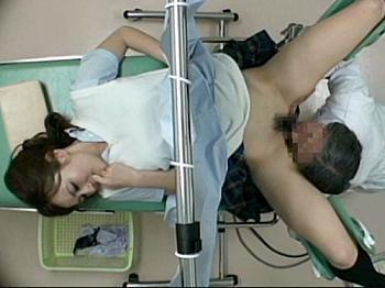 産婦人科でマ◯コチェックされる美少女♥潮吹きしちゃって生中出しされるヤバイやつwwww